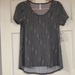 LuLaRoe black and white Classic T shirt XS NWT